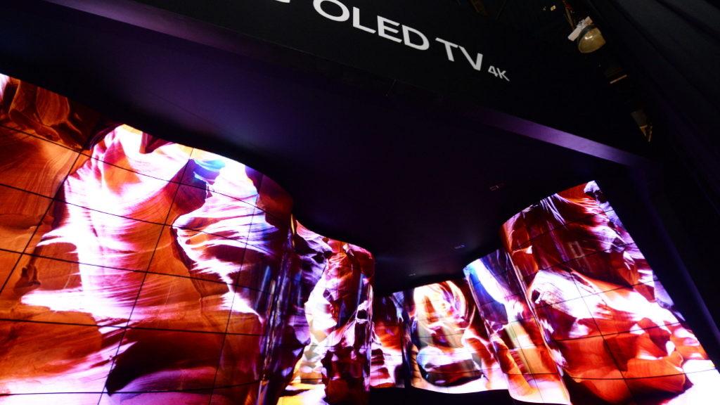 LG-OLED-Canyon_1.jpg